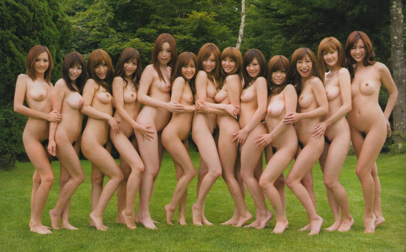 Японки на улице раздетые 6 фотография