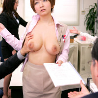 時間を止められておまんこを犯されるムッチムチ美女OL 浅岡沙希 小坂めぐる