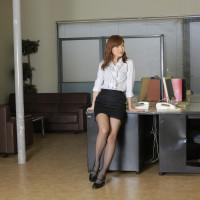 美痴女~淫語で説教する女部長の甘い囁き~ – 愛原みほ