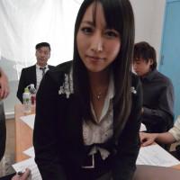 狂乱爆乳秘書~会議中に欲情する不埒な女~ – 星咲優菜